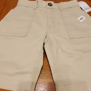 Boys Carter's khaki shorts size 4